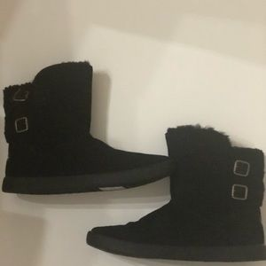 NWT Ugg Koolaburra black suede leather boots